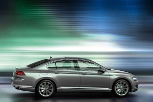 vw-unveils-new-look-euro-spec-2015-passat-medium_11