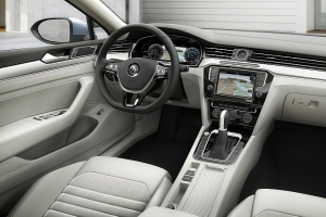 vw-unveils-new-look-euro-spec-2015-passat-medium_41