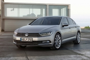 vw-unveils-new-look-euro-spec-2015-passat-medium_5