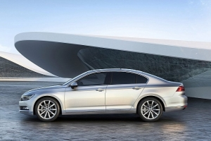 vw-unveils-new-look-euro-spec-2015-passat-medium_9