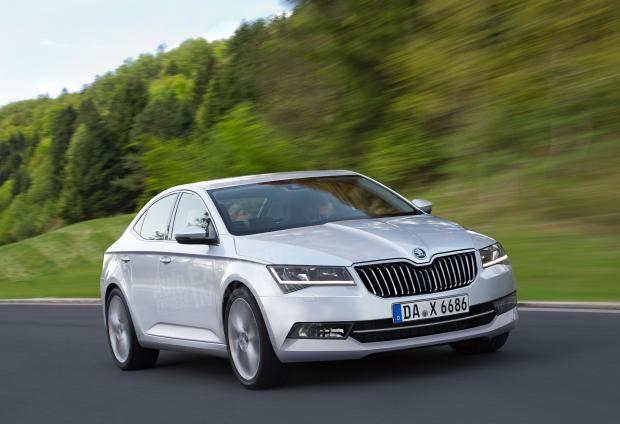 skoda_superb_silver_v_update_0