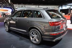 2016-Audi-Q7-02