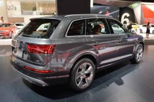 2016-Audi-Q7-03
