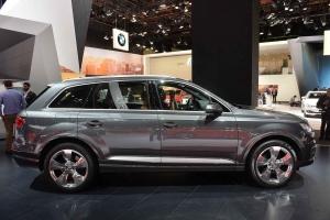 2016-Audi-Q7-05