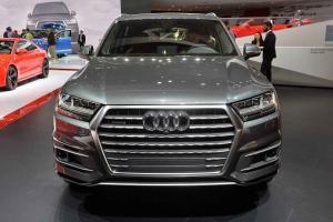 2016-Audi-Q7-06